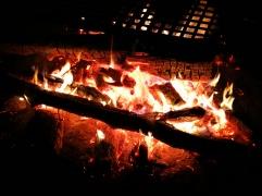 Am warmen Lagerfeuer